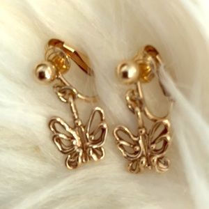 Jewelry - Beautiful 14kt gold butterfly earrings-clip on